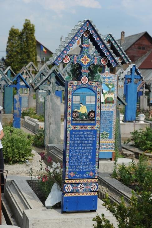 cimitirul-vesel-09