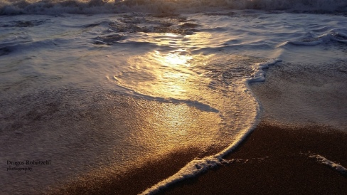 waves-09
